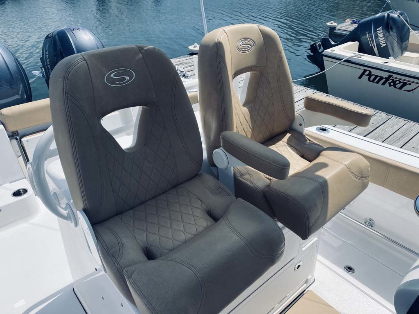 Sportsman-282 Open 2018-Time Out Too Avalon-New Jersey-United States-Helm Seats-1451473 | Thumbnail