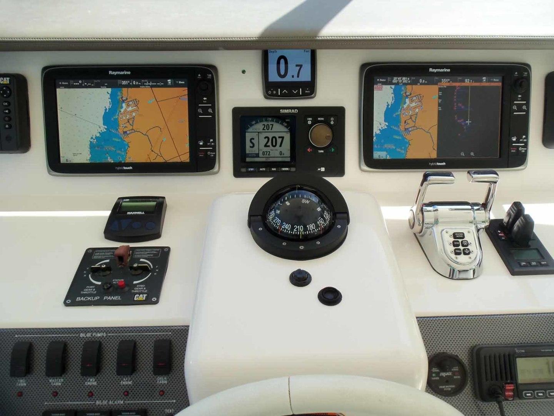 Neptunus-625 Flybridge 2015-MONESSA Miami-Florida-United States-Helm Center-1458043 | Thumbnail