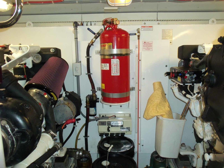 Neptunus-625 Flybridge 2015-MONESSA Miami-Florida-United States-Engine Room Forward-1458060 | Thumbnail