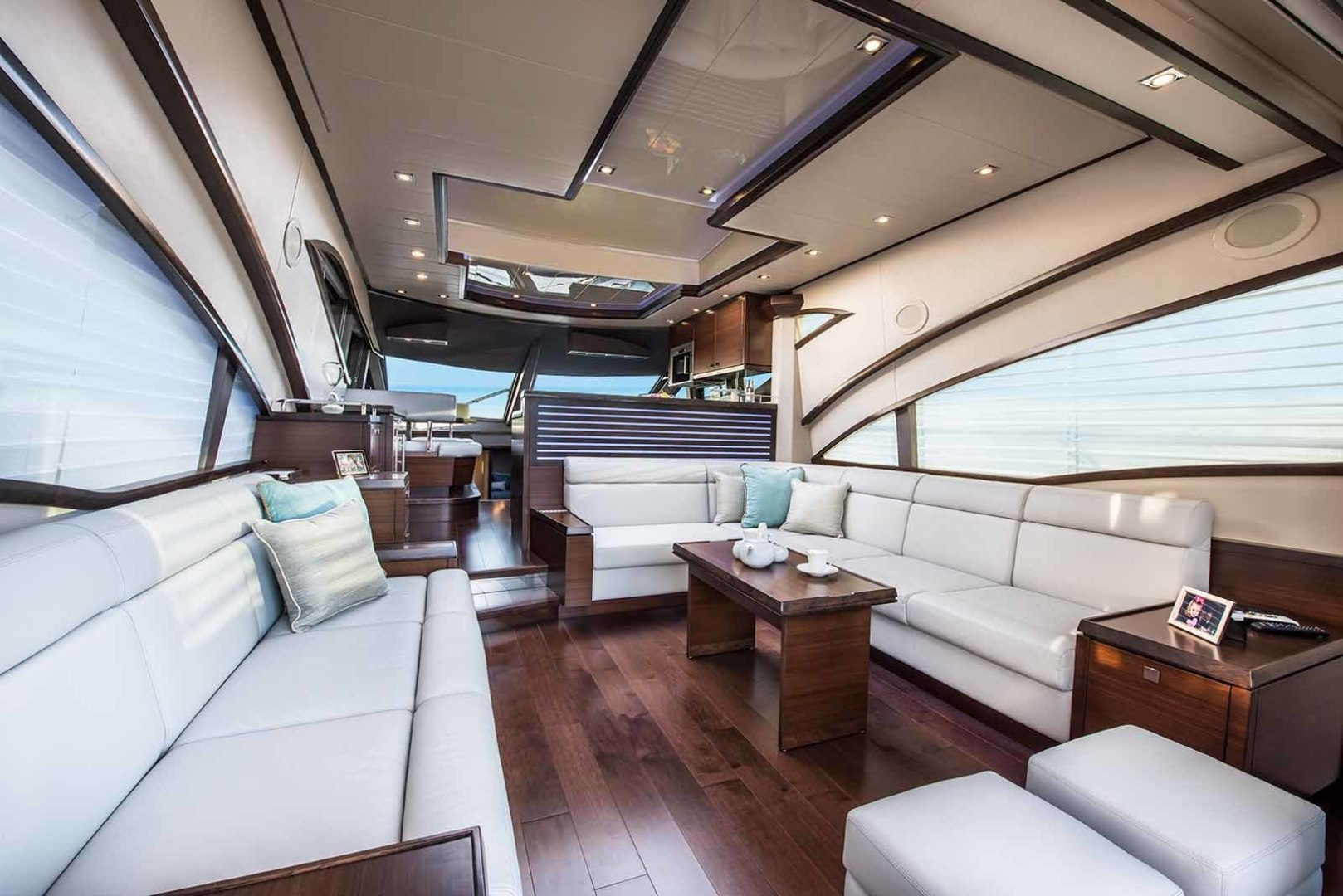 Neptunus-Express 2016-CAPTAIN HIGHWAY Hilton Head-South Carolina-United States-Salon Looking Forward-1458903 | Thumbnail