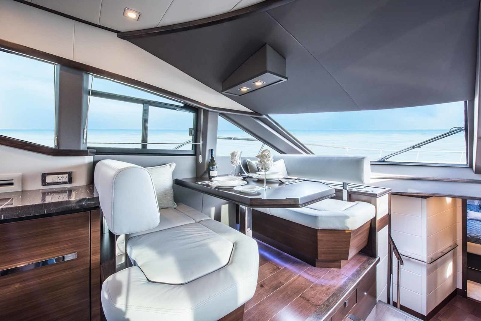 Neptunus-Express 2016-CAPTAIN HIGHWAY Hilton Head-South Carolina-United States-Dining-1458911 | Thumbnail