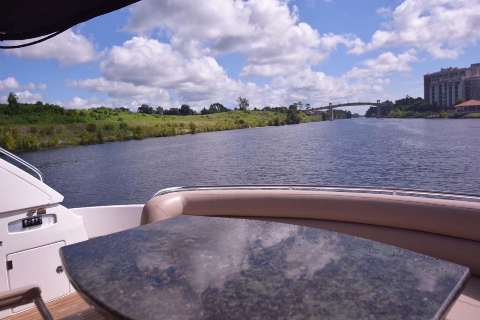 Sunseeker-Predator 2003-Low Profile PALM BEACH-Florida-United States-Aft Table To Transom View-1576390 | Thumbnail
