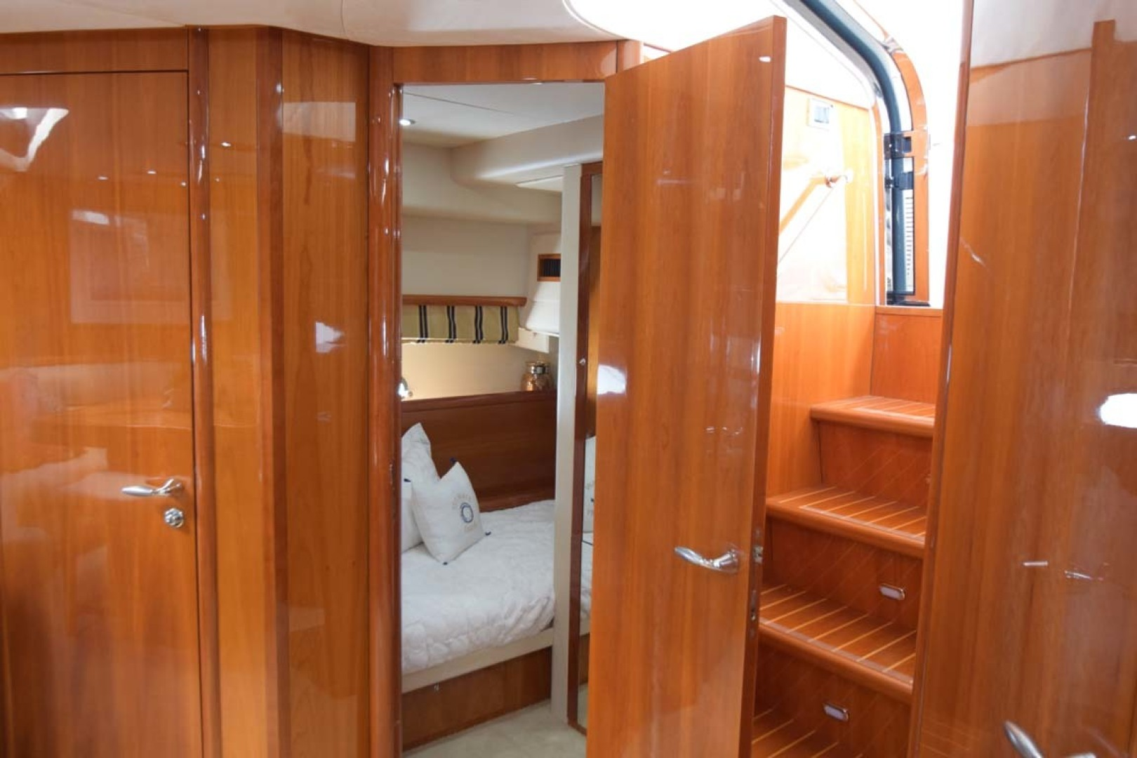 Sunseeker-Predator 2003-Low Profile PALM BEACH-Florida-United States-Single Twin Cabin-1576359 | Thumbnail