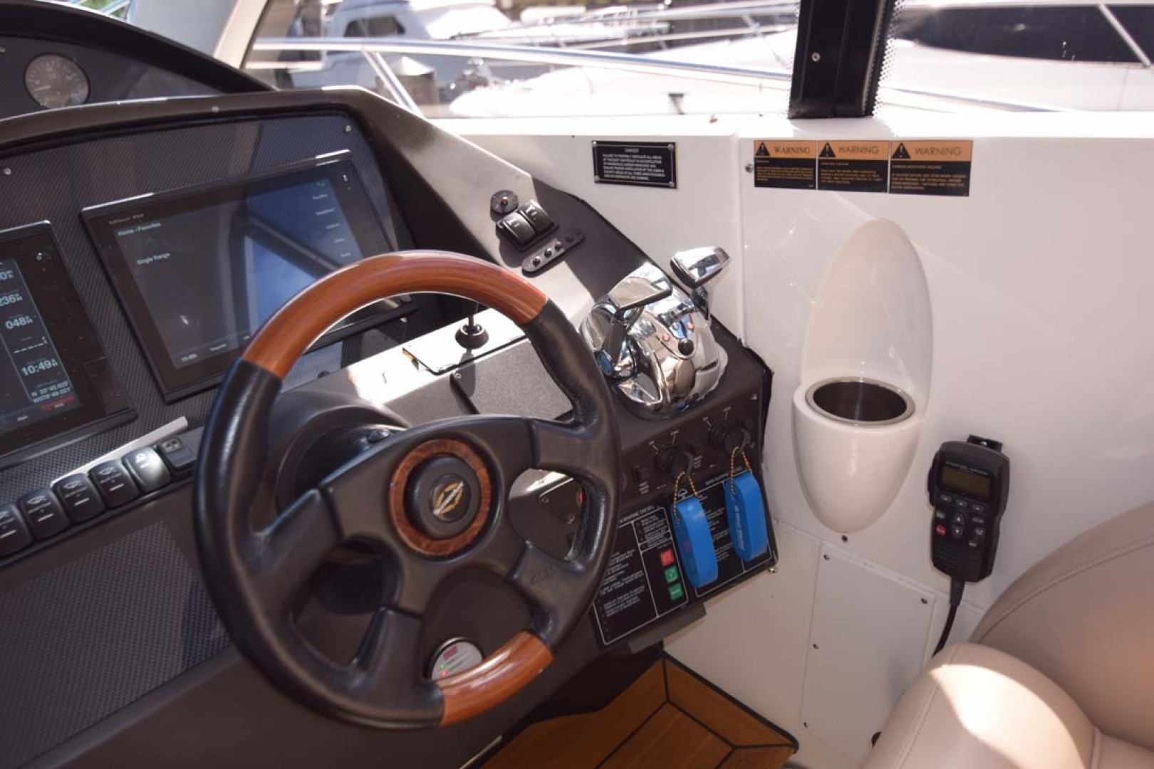 Sunseeker-Predator 2003-Low Profile PALM BEACH-Florida-United States-Helm-1576374 | Thumbnail