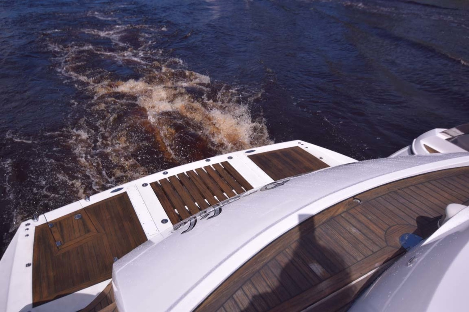 Sunseeker-Predator 2003-Low Profile PALM BEACH-Florida-United States-Swim Platform-1576391 | Thumbnail
