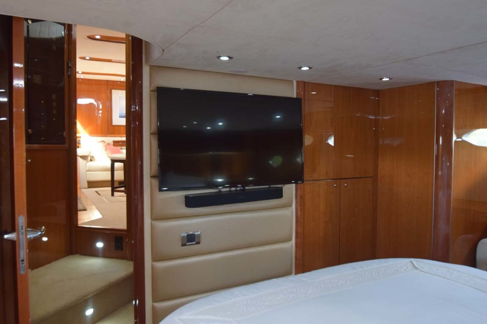 Sunseeker-Predator 2003-Low Profile PALM BEACH-Florida-United States-Master Stateroom View To Flat Screen TV-1576347 | Thumbnail