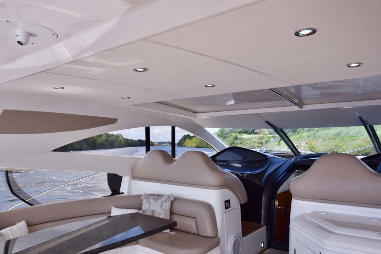 Sunseeker-Predator 2003-Low Profile PALM BEACH-Florida-United States-Overview To Helm Seating-1576375 | Thumbnail