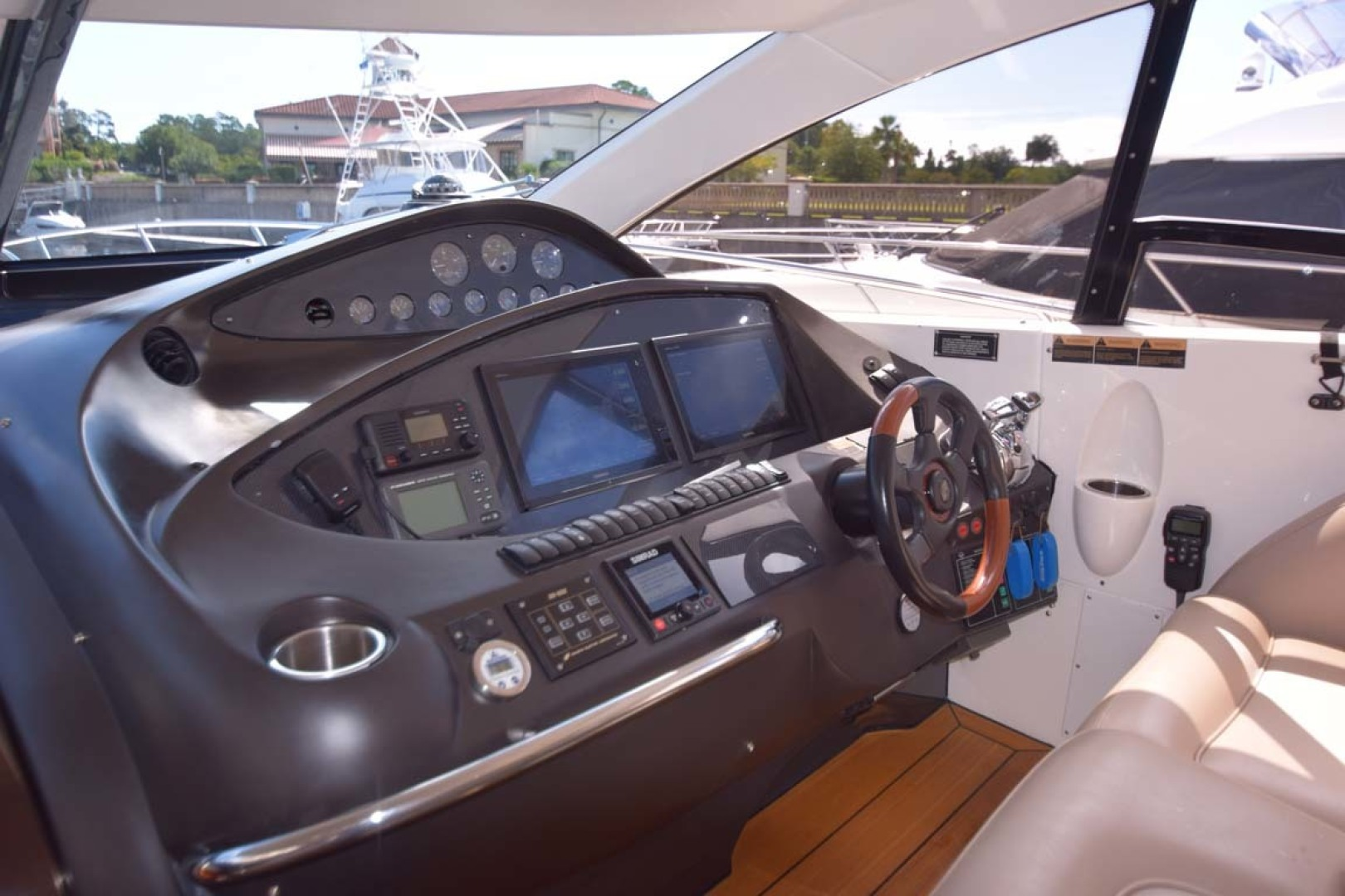 Sunseeker-Predator 2003-Low Profile PALM BEACH-Florida-United States-Helm Instrumentation-1576370 | Thumbnail