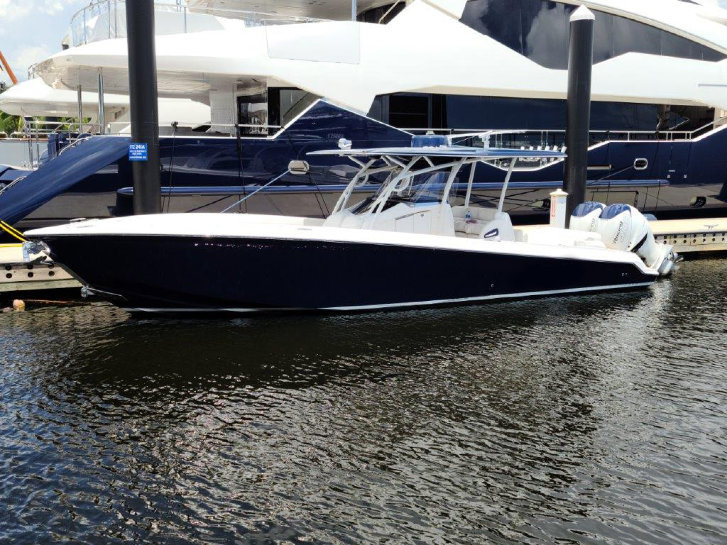 34' Nor-Tech 2016 340 Center Console