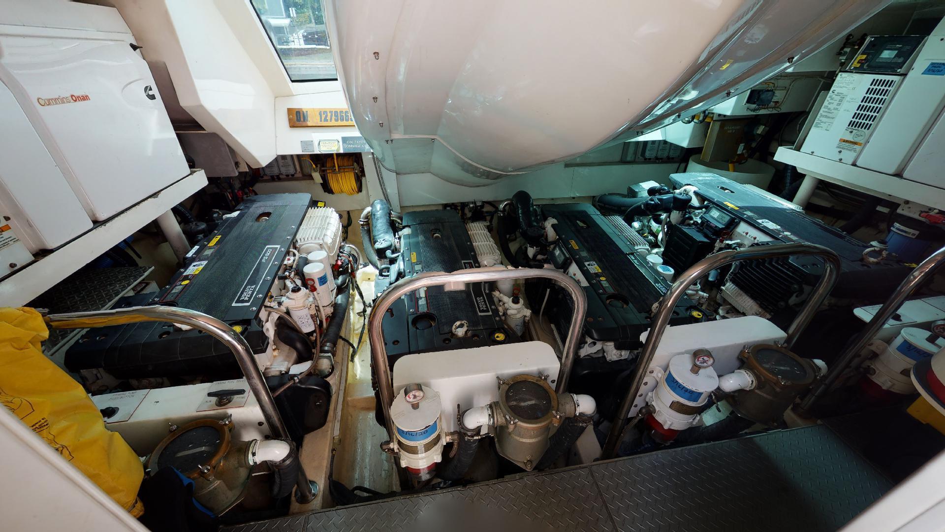 Lazzara-LSX 75 2009-MOJO Fort Lauderdale-Florida-United States-75 Lazzara Engine Room-1462679 | Thumbnail
