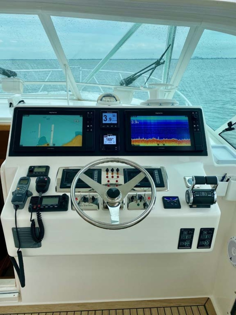 Cabo-38 Express 2008-Miss Kris Long Island-New York-United States Helm-1462776 | Thumbnail