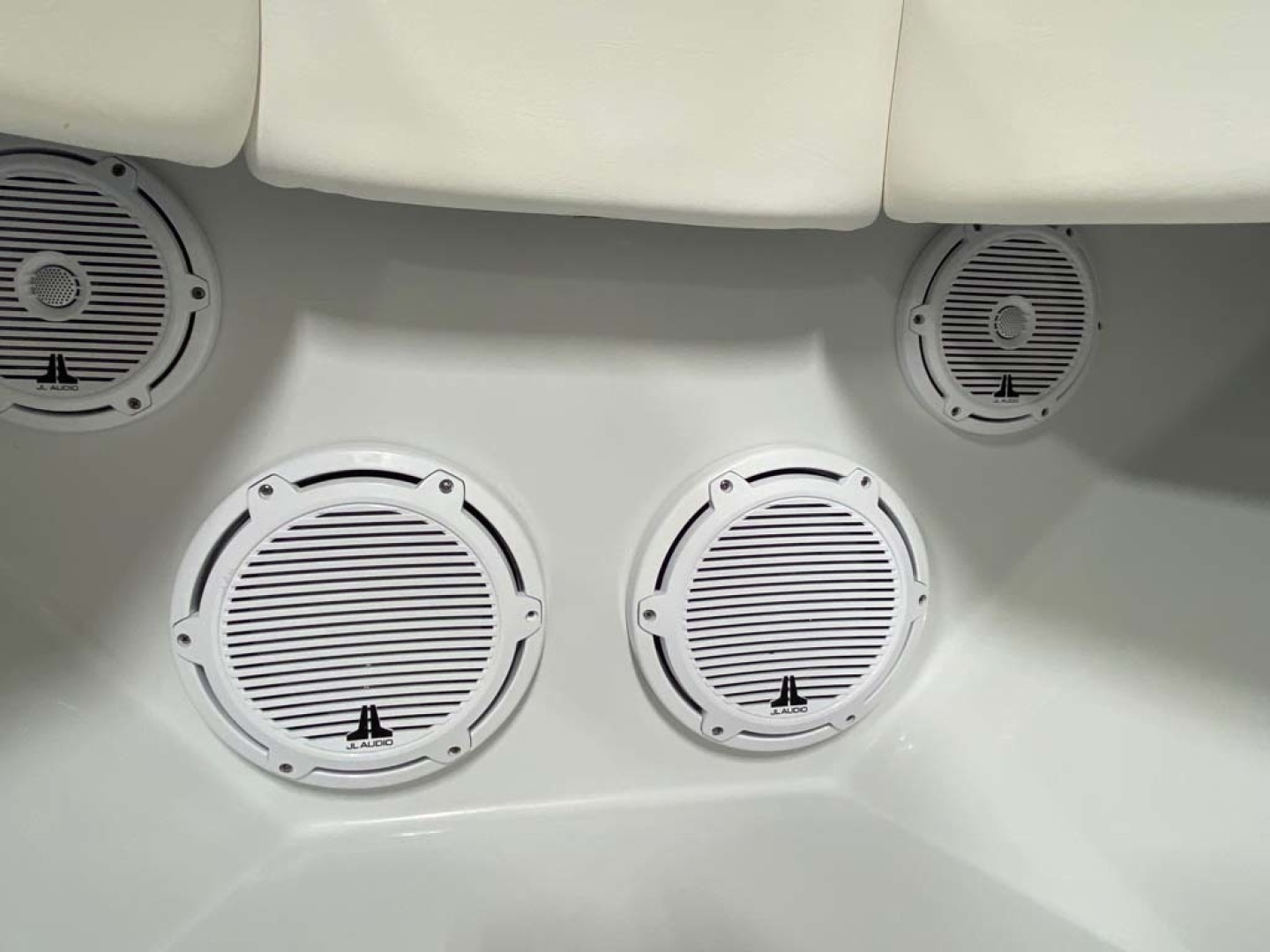 Contender-Center Console 2018 -Homestead-Florida-United States-JL Speakers-1463550 | Thumbnail
