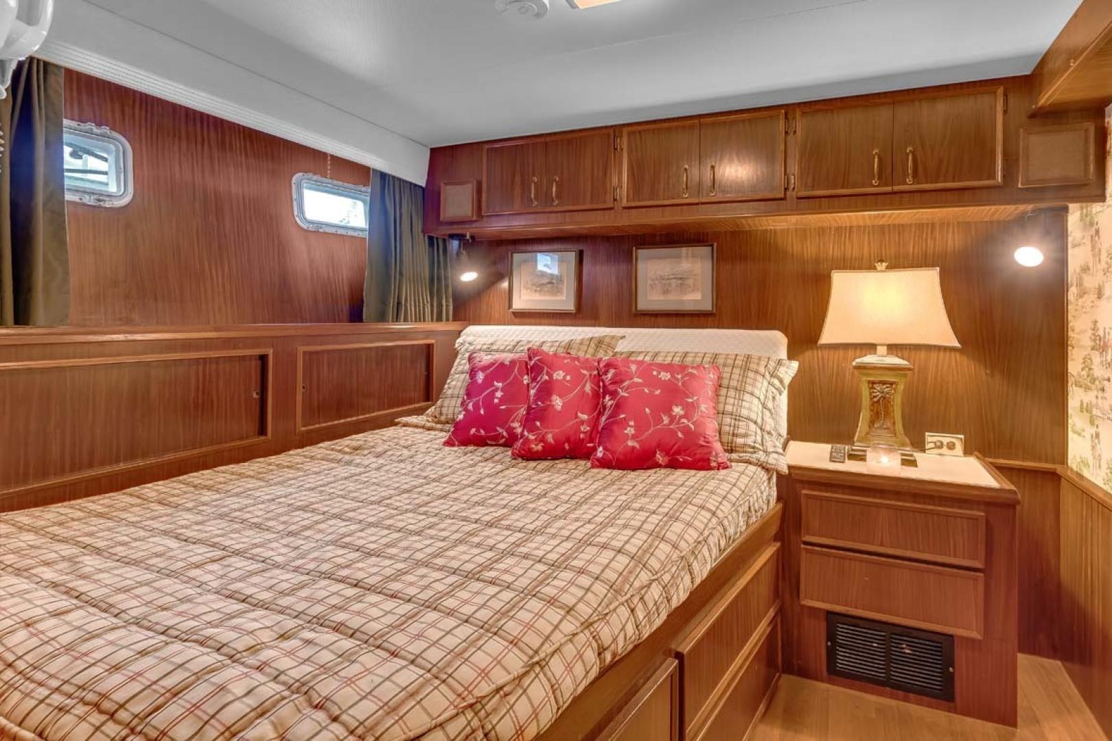 Hatteras-Motor Yacht 1985-Ruffian North Palm Beach-Florida-United States-VIP Guest Stateroom-1463646 | Thumbnail