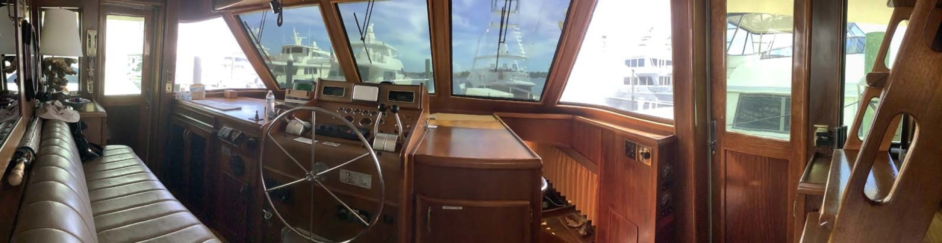 Hatteras-Motor Yacht 1985-Ruffian North Palm Beach-Florida-United States-Wheelhouse-1463635 | Thumbnail