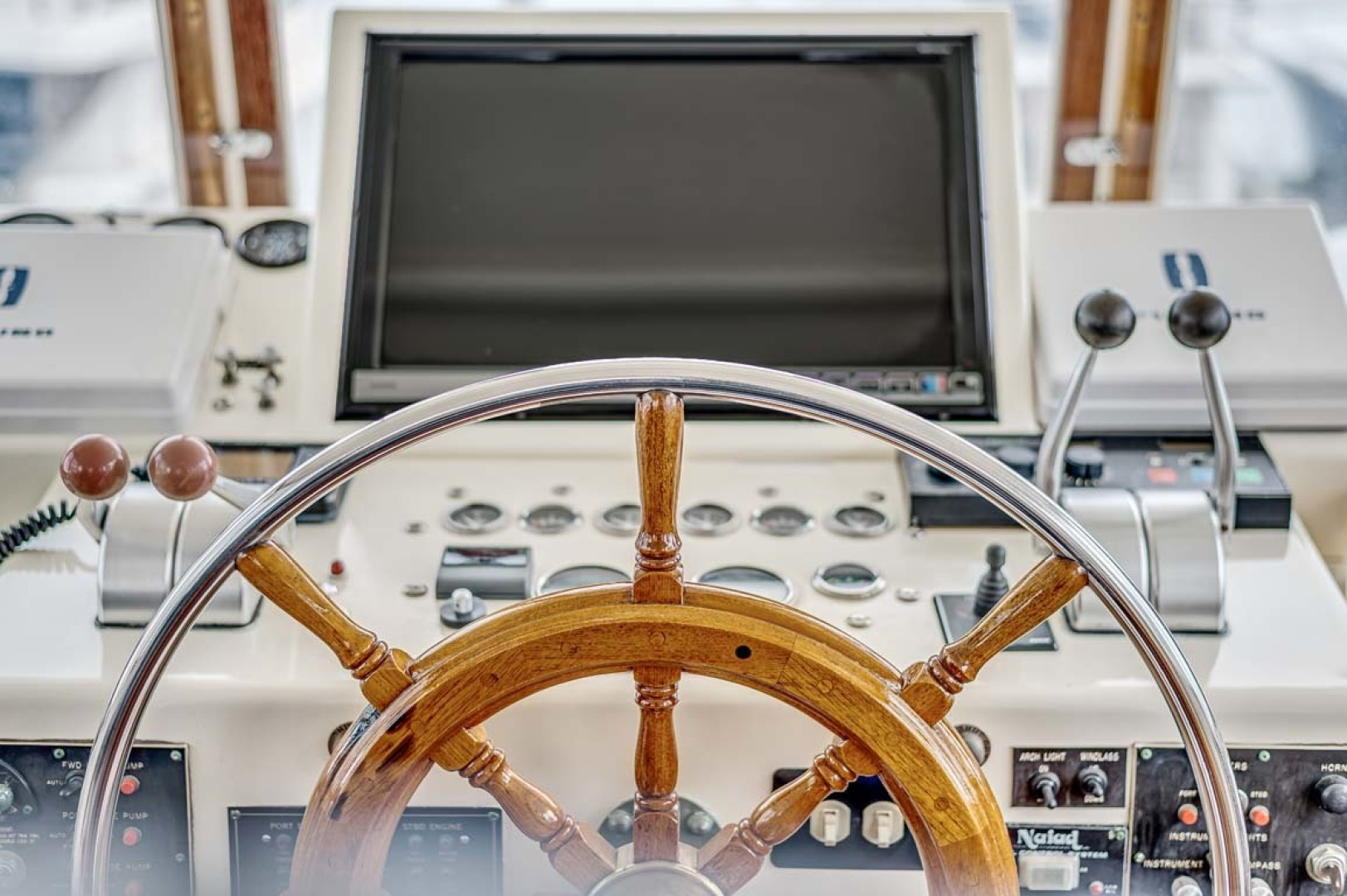 Hatteras-Motor Yacht 1985-Ruffian North Palm Beach-Florida-United States-Helm-1463656 | Thumbnail