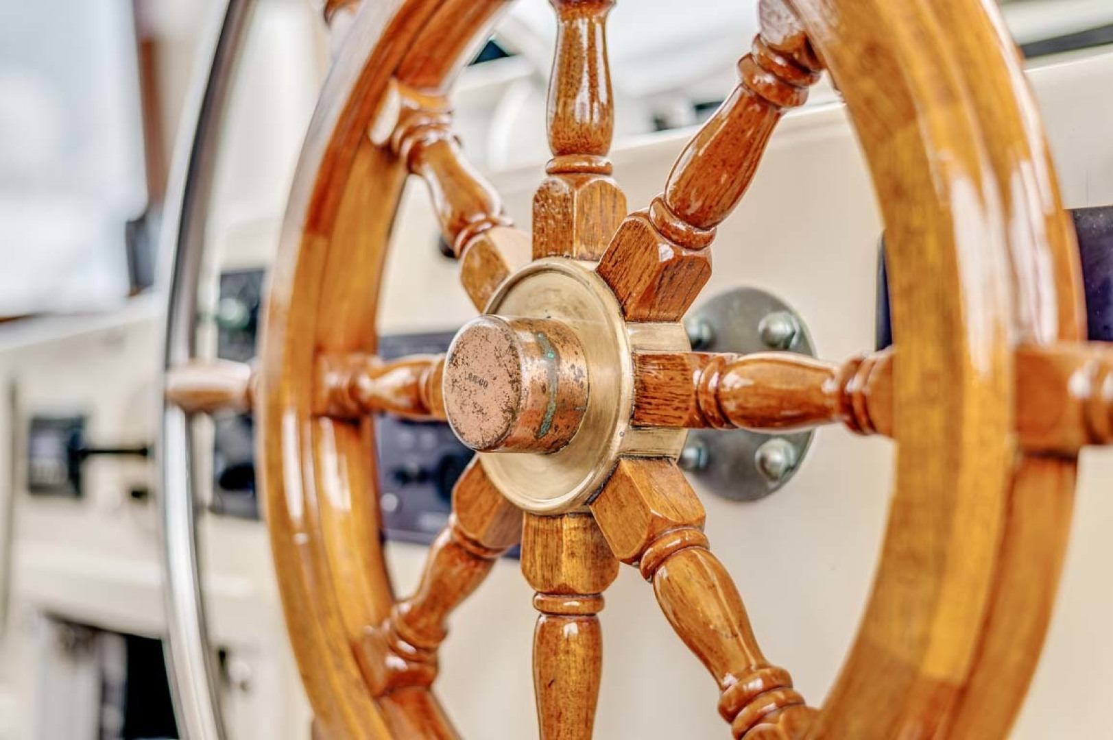Hatteras-Motor Yacht 1985-Ruffian North Palm Beach-Florida-United States-Helm Detail-1463657 | Thumbnail