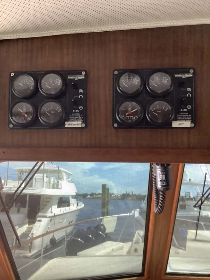 Hatteras-Motor Yacht 1985-Ruffian North Palm Beach-Florida-United States-Gauges-1463637 | Thumbnail