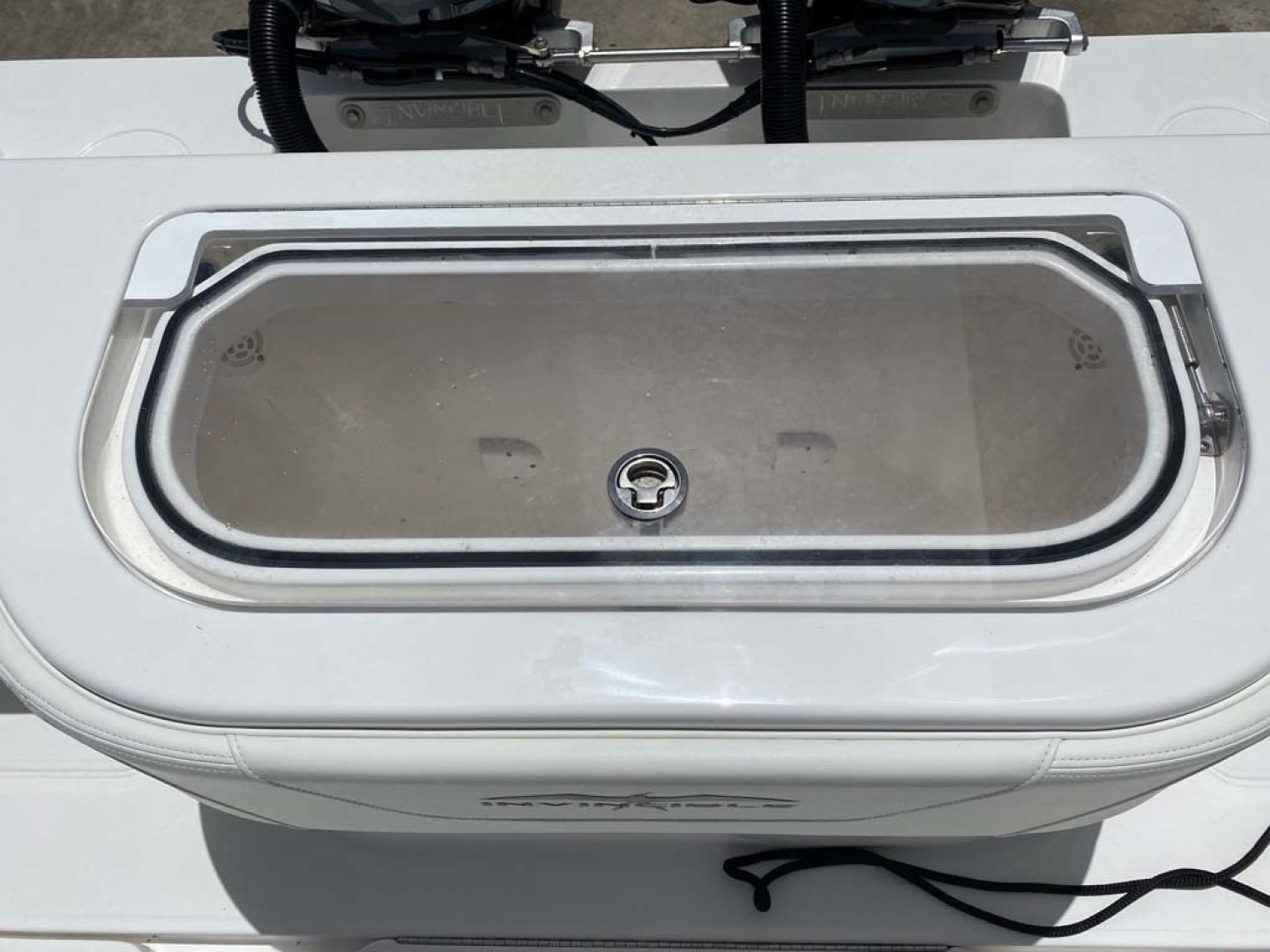 Invincible-33 Center Console 2020 -Dania-Florida-United States-1 of 3 Livewells-1465223 | Thumbnail