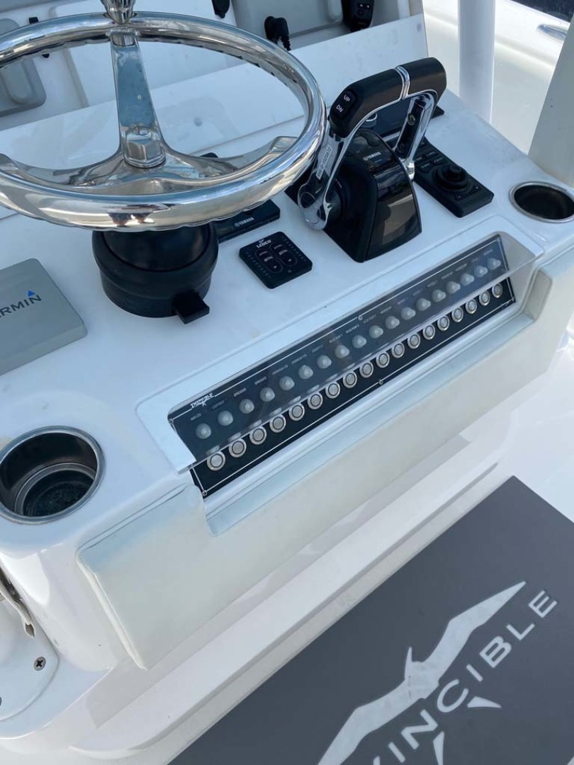 Invincible-33 Center Console 2020 -Dania-Florida-United States-Helm, Throttles and Switches-1465215 | Thumbnail
