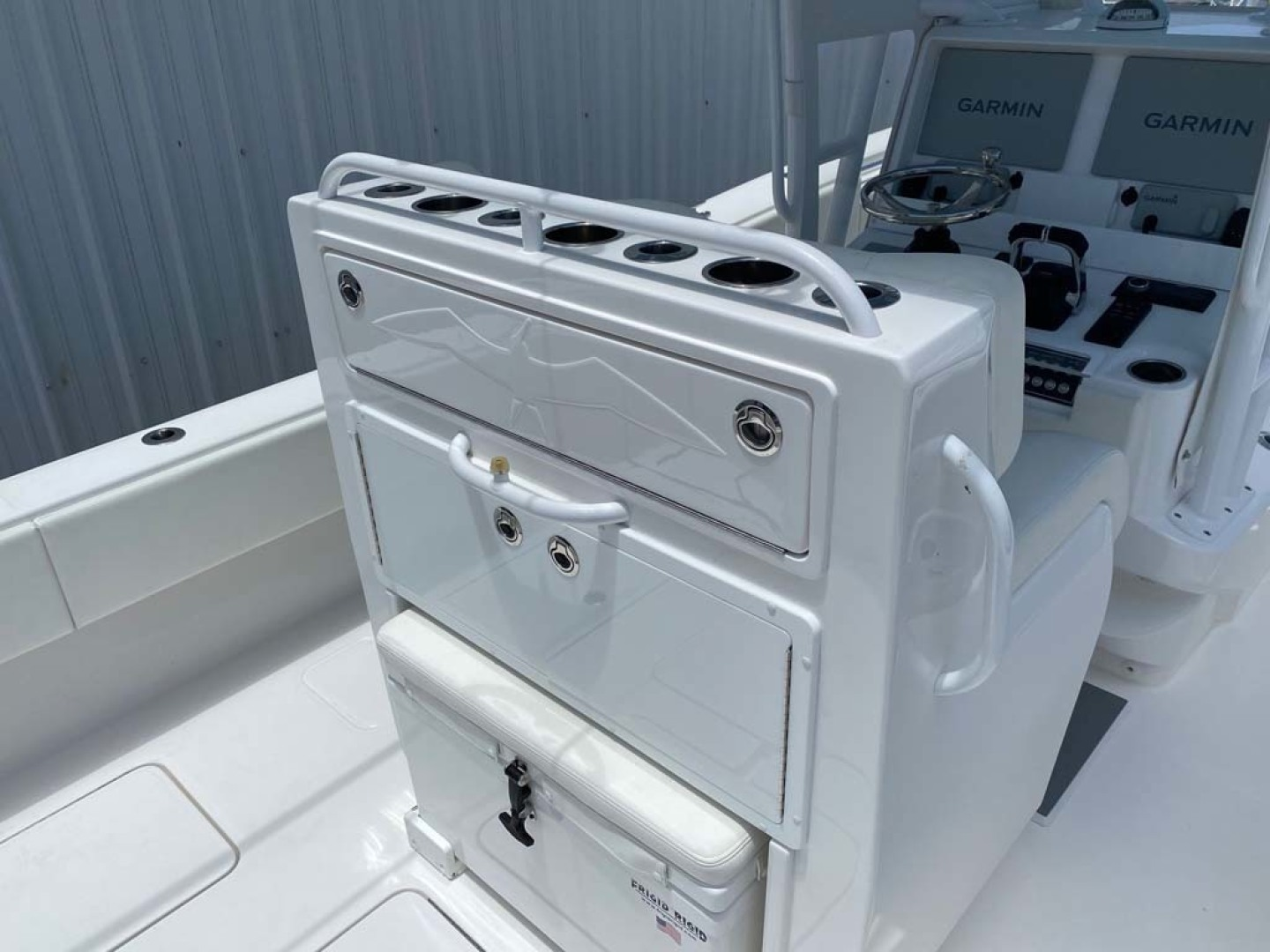 Invincible-33 Center Console 2020 -Dania-Florida-United States-Upgraded Tackle Station with Rod Holders-1465219 | Thumbnail