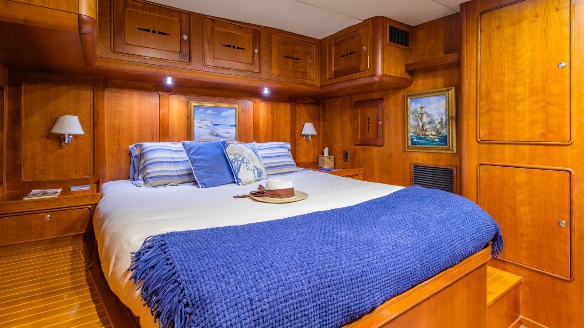 Portsmouth-Power Catamaran 2003-Giovannino Stuart-Florida-United States-master-stateroom-1469470 | Thumbnail