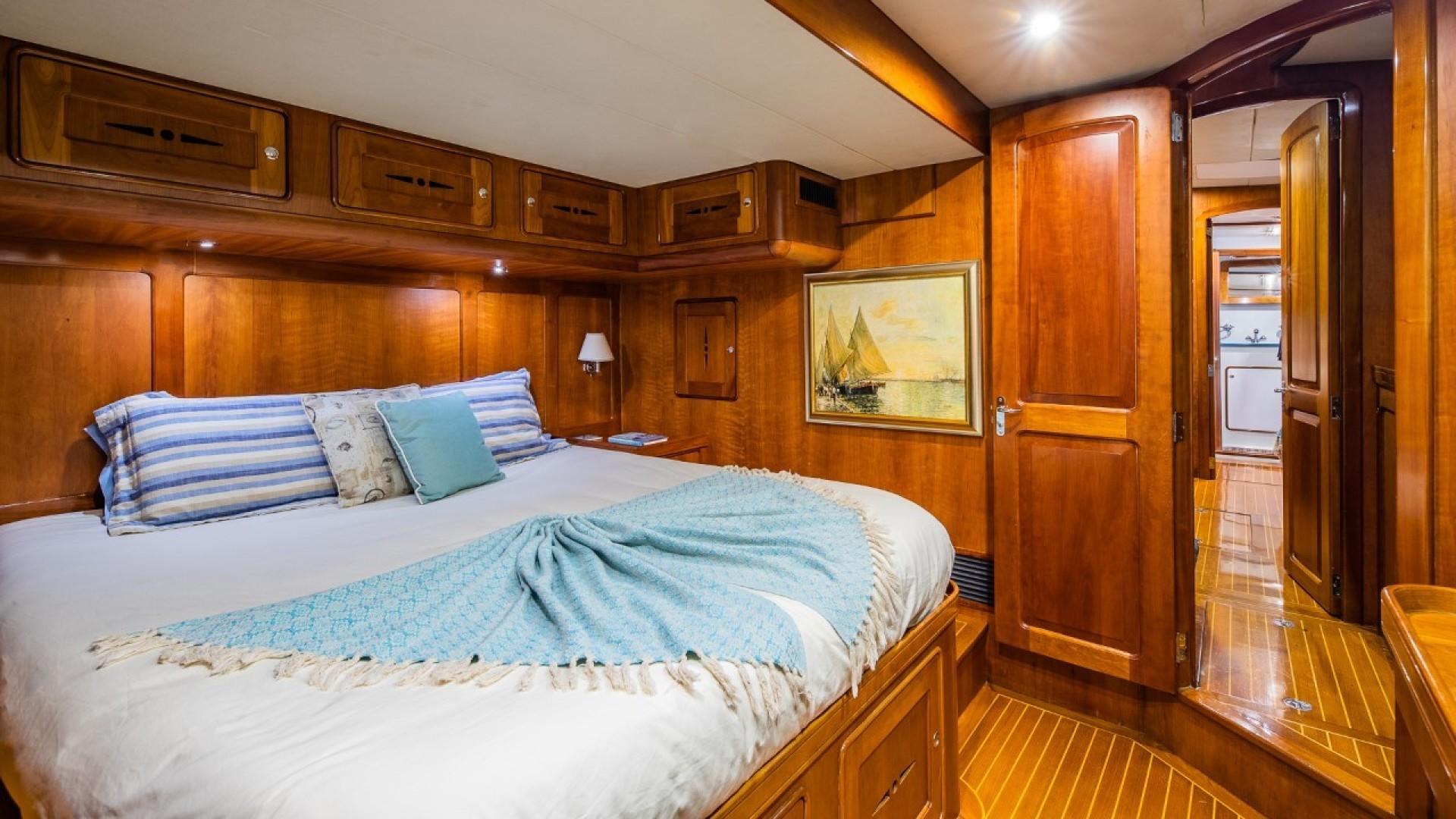 Portsmouth-Power Catamaran 2003-Giovannino Stuart-Florida-United States-vip-cabin-1469477 | Thumbnail