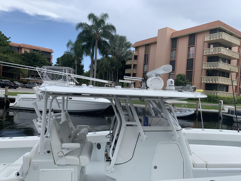 Freeman-37VH 2017-Dog House Ft Lauderdale-Florida-United States-1469780 | Thumbnail