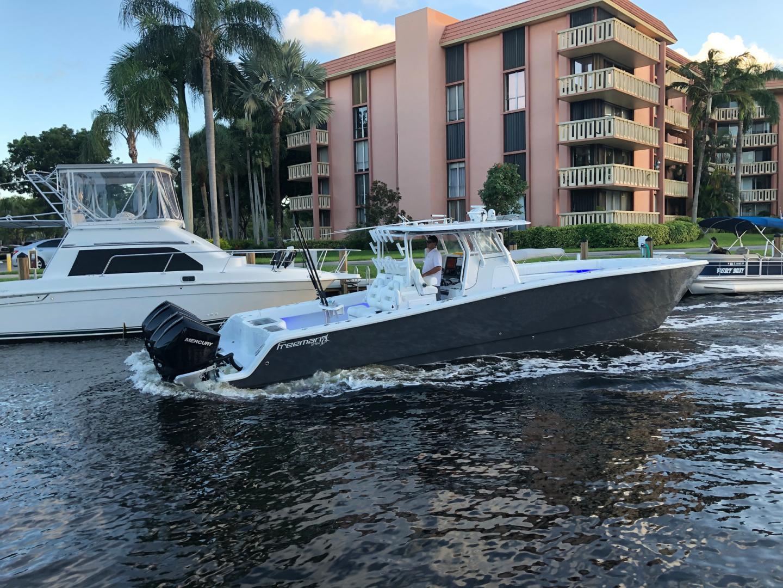 Freeman-37VH 2017-Dog House Ft Lauderdale-Florida-United States-1574274 | Thumbnail