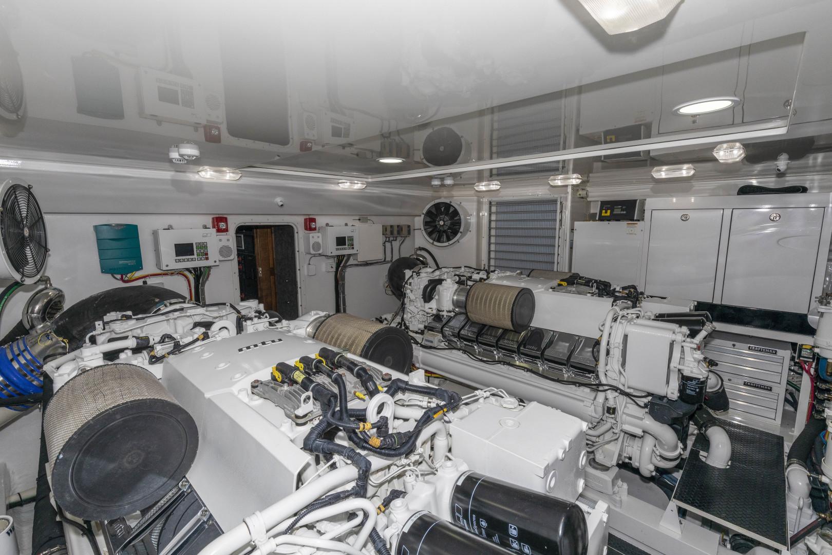 Viking-Enclosed Bridge Sportfish 2016-Bella Dona Di Boca Raton-Florida-United States-1488050 | Thumbnail