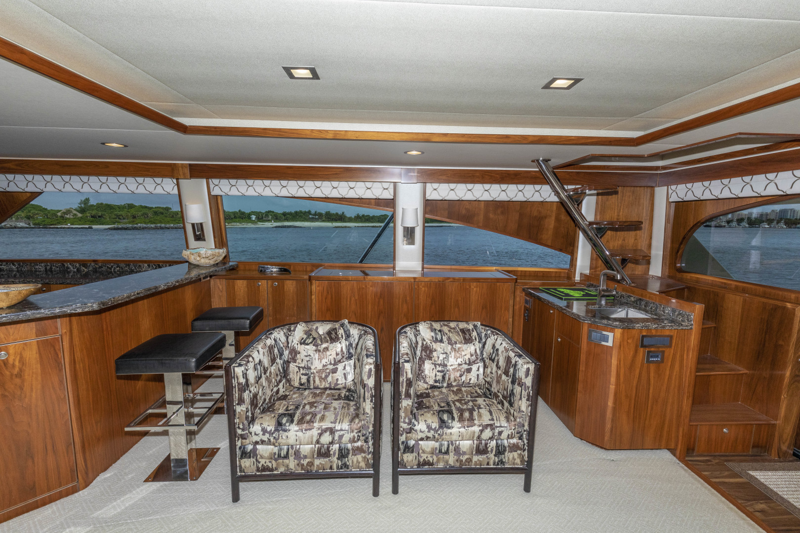 Viking-Enclosed Bridge Sportfish 2016-Bella Dona Di Boca Raton-Florida-United States-1487977 | Thumbnail