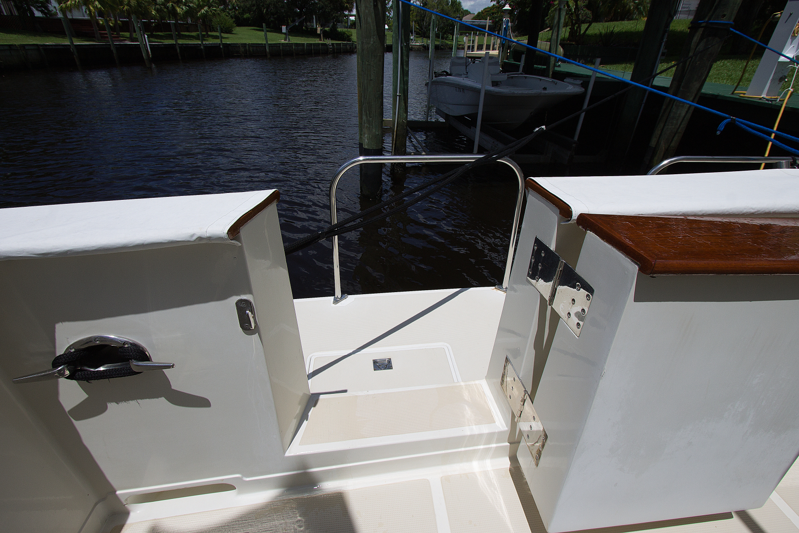 Offshore Yachts-1999 1999-Chapter Three Palm City-Florida-United States-1470423   Thumbnail