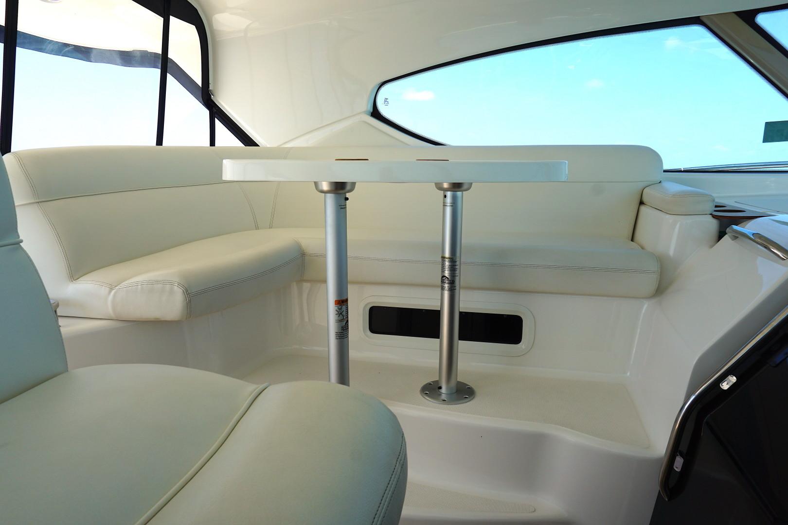 Tiara Yachts-45 Sovran 2015-Captains Choice Pensacola-Florida-United States-2015 45 Tiara Sovran Captains Choice HELM SEATING (1)-1484295   Thumbnail