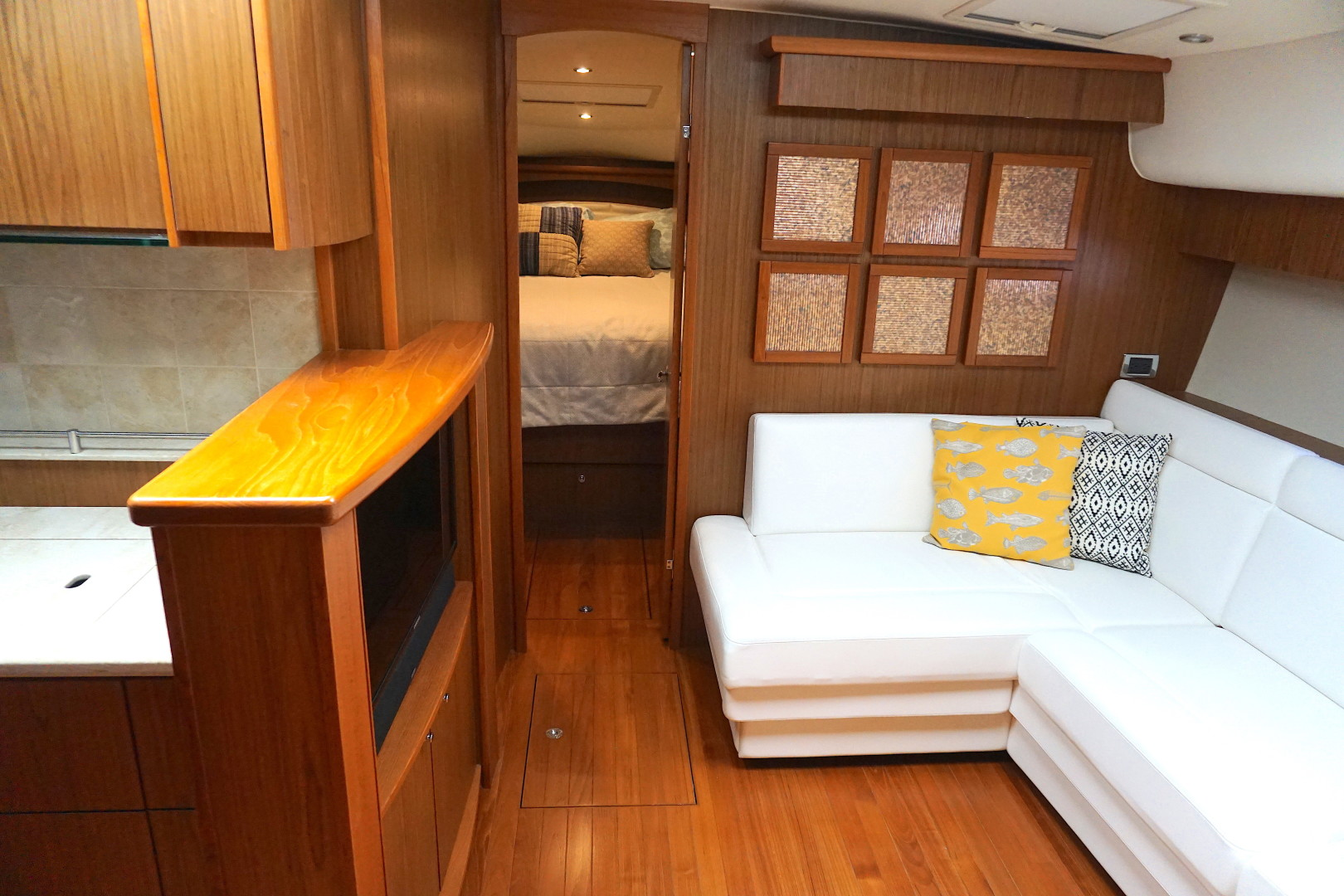 Tiara Yachts-45 Sovran 2015-Captains Choice Pensacola-Florida-United States-2015 45 Tiara Sovran Captains Choice SALON (4)-1484275   Thumbnail
