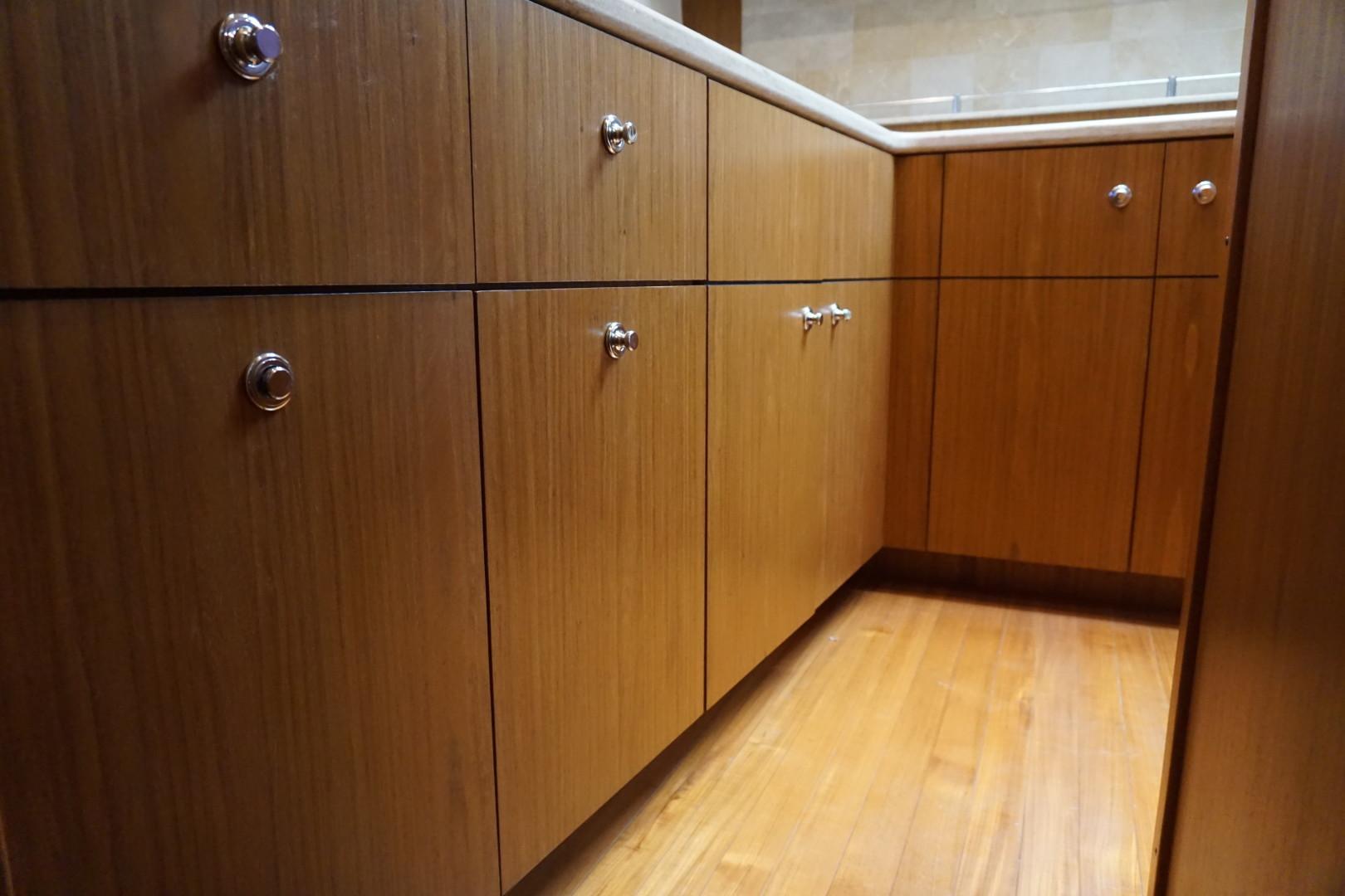 Tiara Yachts-45 Sovran 2015-Captains Choice Pensacola-Florida-United States-2015 45 Tiara Sovran Captains Choice GALLEY CABINETS-1484279   Thumbnail