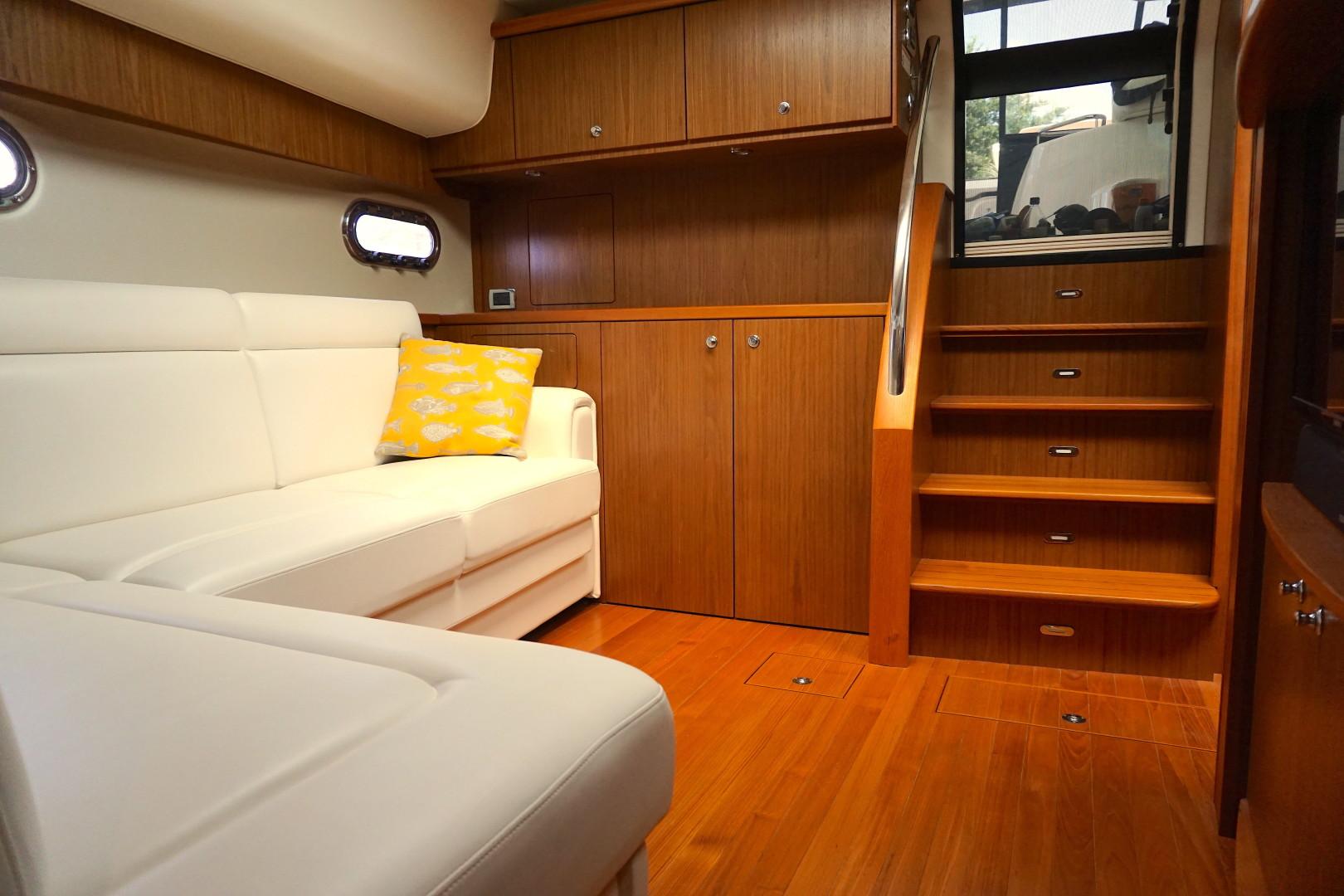 Tiara Yachts-45 Sovran 2015-Captains Choice Pensacola-Florida-United States-2015 45 Tiara Sovran Captains Choice SALON (3)-1484274   Thumbnail