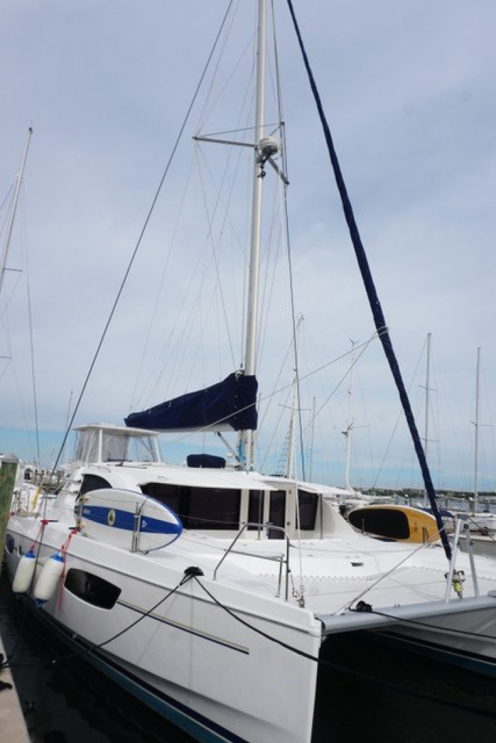Leopard-44 2016-Grateful Fort Lauderdale-Florida-United States-Stbd Bow  Mast, Rigging-1471279 | Thumbnail