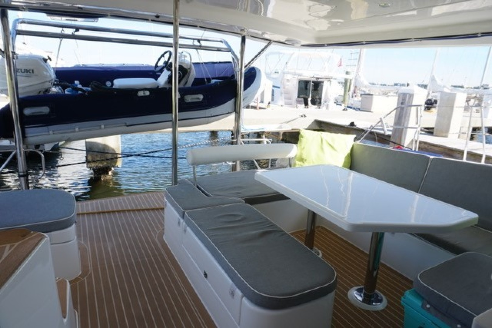 Leopard-44 2016-Grateful Fort Lauderdale-Florida-United States-Aft Deck Seating & Table-1471287 | Thumbnail