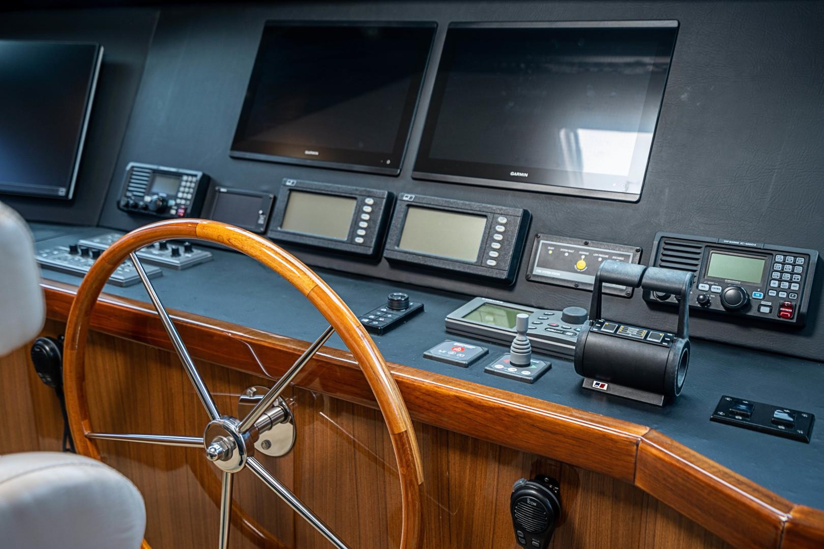 Viking-74 Enclosed Bridge 2007 -Florida-United States-74 Viking Helm-1471158   Thumbnail