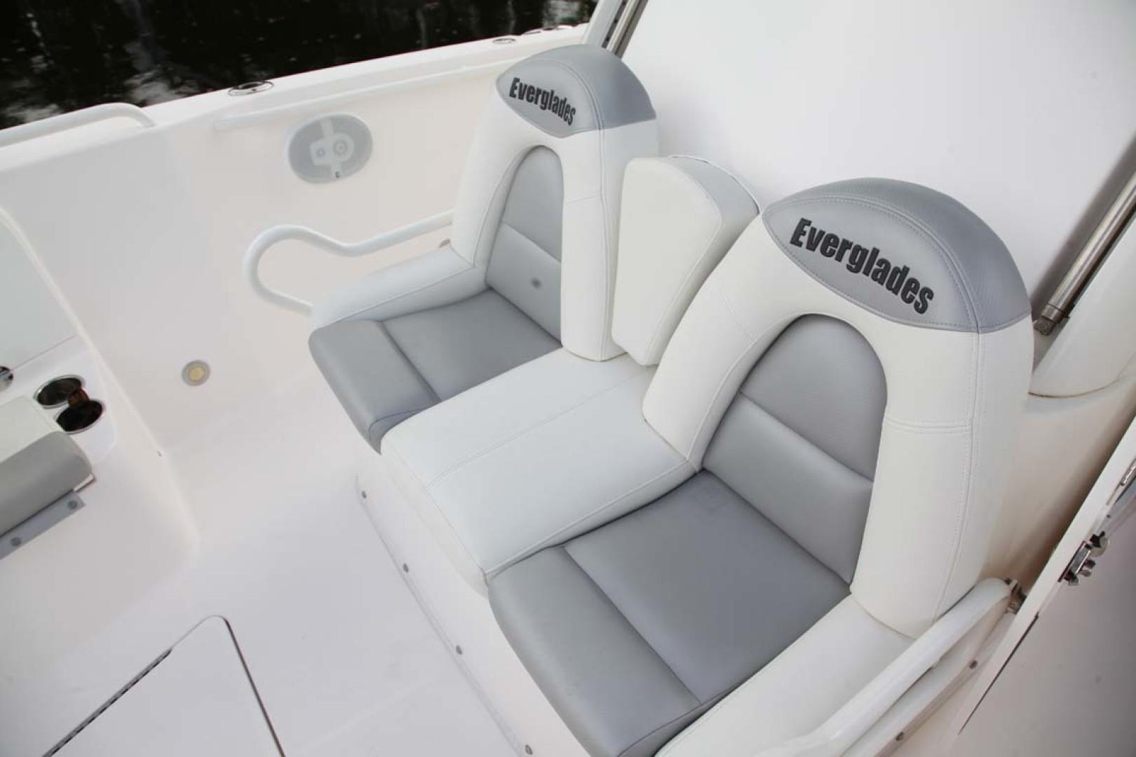 Everglades-295 2012 -Tavernier-Florida-United States-CC Forward Seats-1472666 | Thumbnail