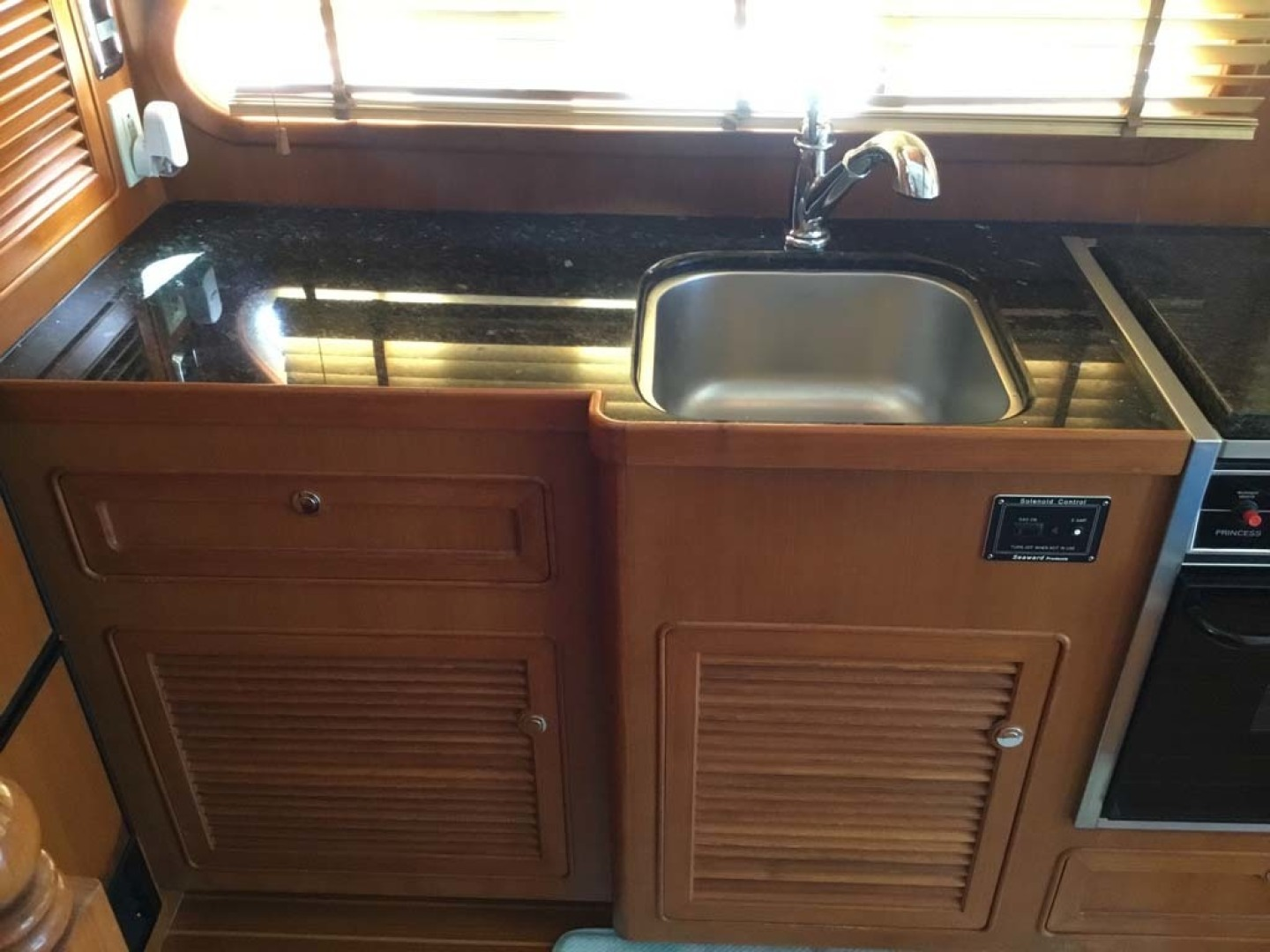 Mariner-Seville Pilothouse 2007-Dunwerkin Cape Coral-Florida-United States-Galley-1473141 | Thumbnail