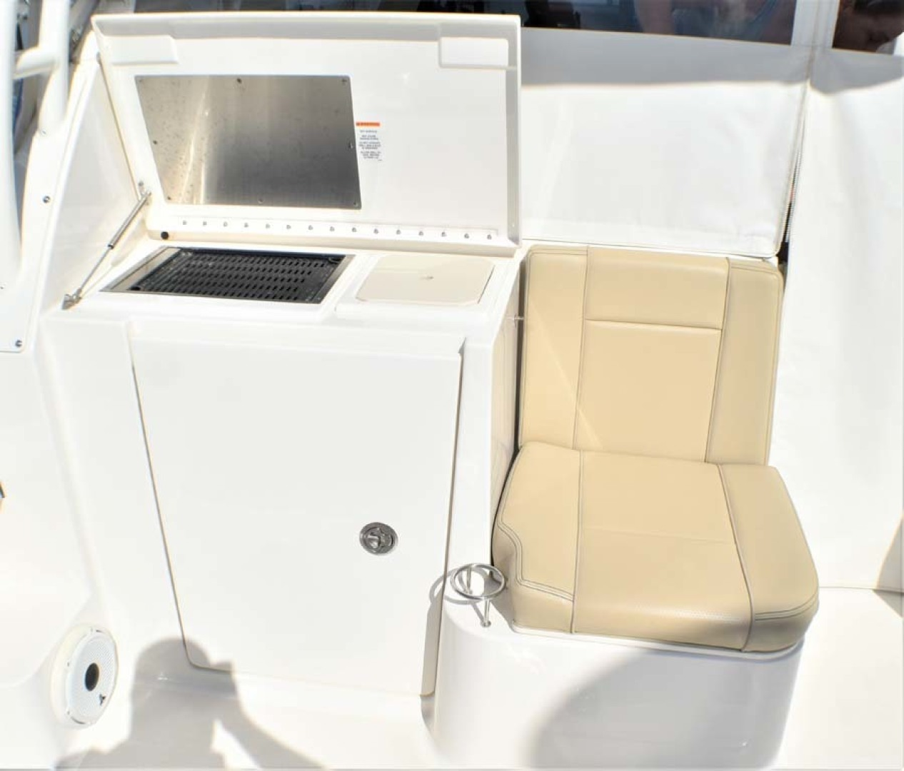 Pursuit-325 Offshore 2020-Coo Coo Miami-Florida-United States-BBQ and Cooler Seat-1475298 | Thumbnail