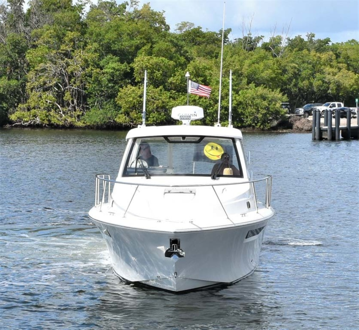 Pursuit-325 Offshore 2020-Coo Coo Miami-Florida-United States-Bow View-1475270 | Thumbnail