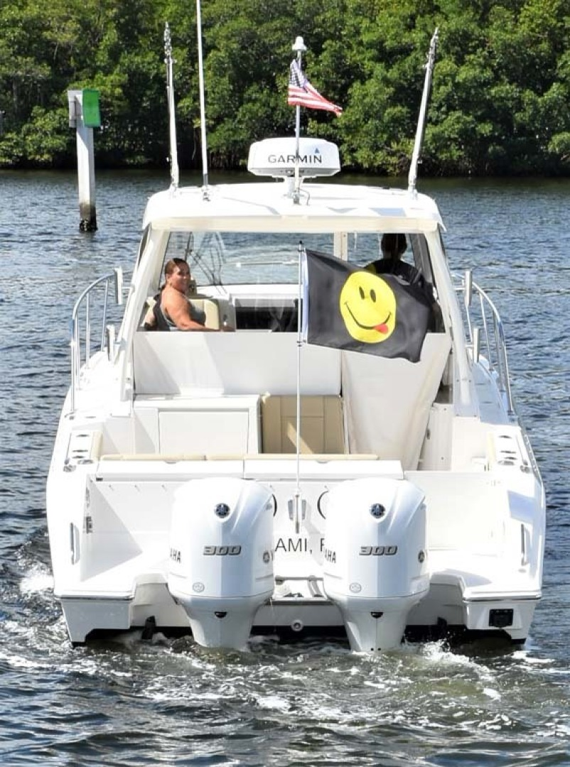 Pursuit-325 Offshore 2020-Coo Coo Miami-Florida-United States-Stern View-1475315 | Thumbnail