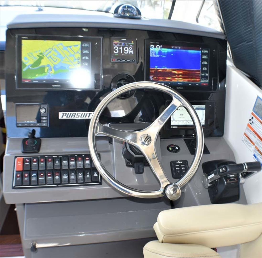 Pursuit-325 Offshore 2020-Coo Coo Miami-Florida-United States-Helm-1475289 | Thumbnail