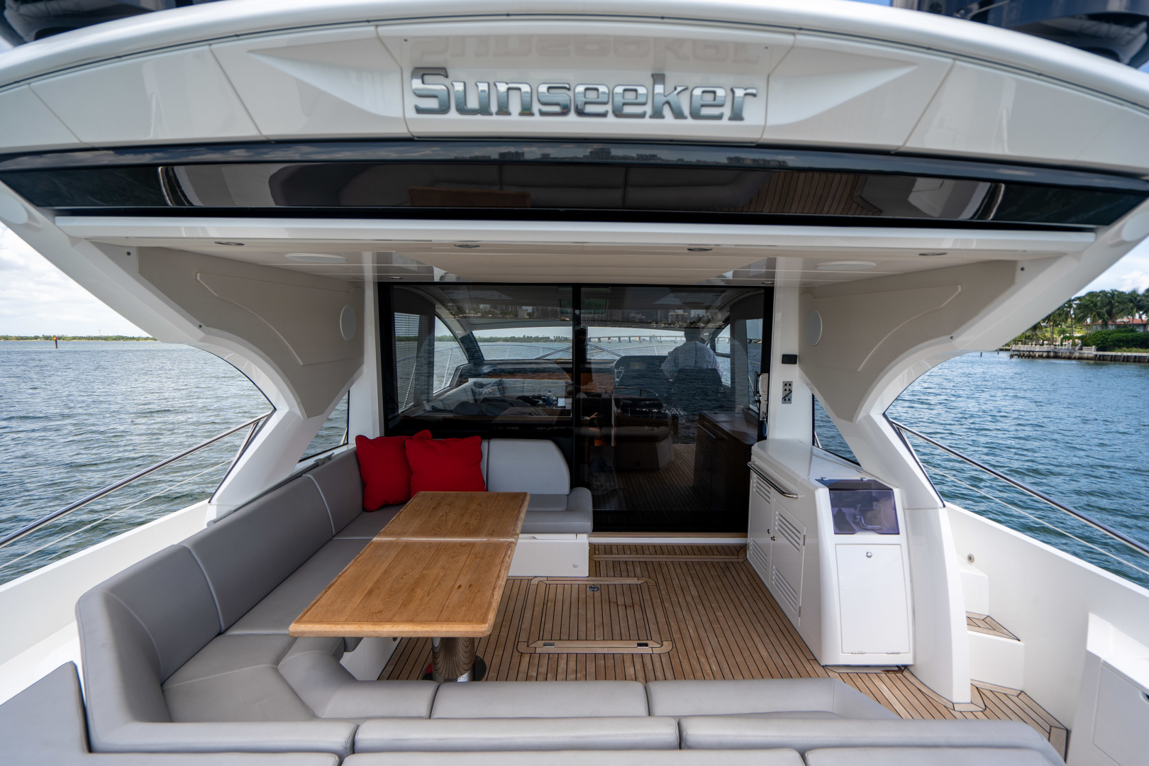 Sunseeker-Predator 2019 -Miami Beach-Florida-United States-1475718 | Thumbnail