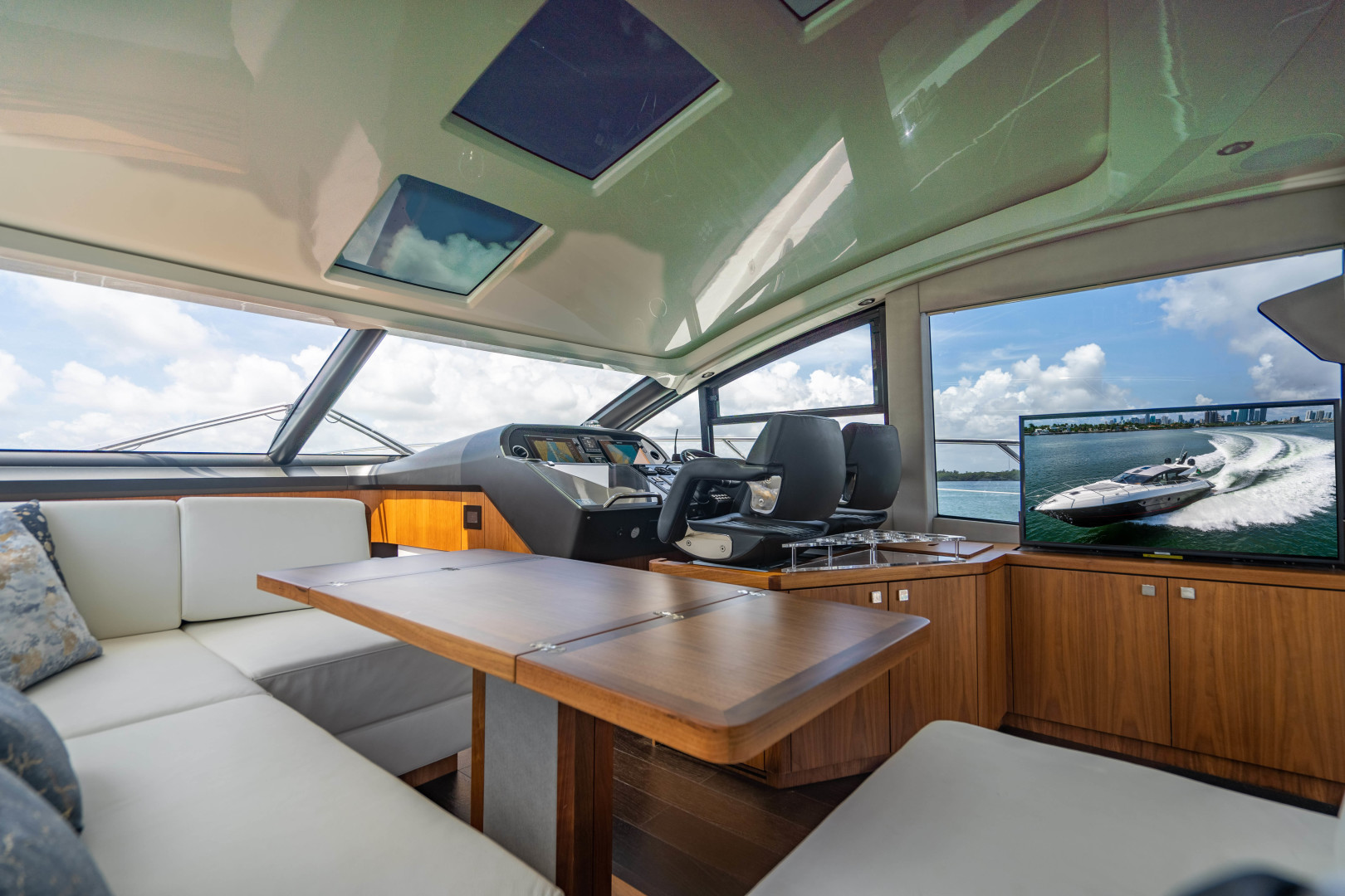 Sunseeker-Predator 2019 -Miami Beach-Florida-United States-1475732 | Thumbnail