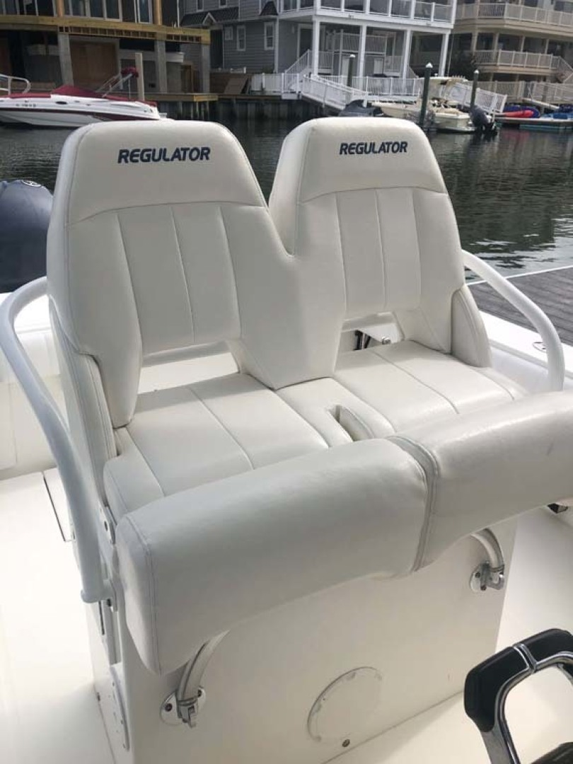 Regulator-Center Console 2011-Remedy Sea Isle-New Jersey-United States-Helm Seats-1476456 | Thumbnail