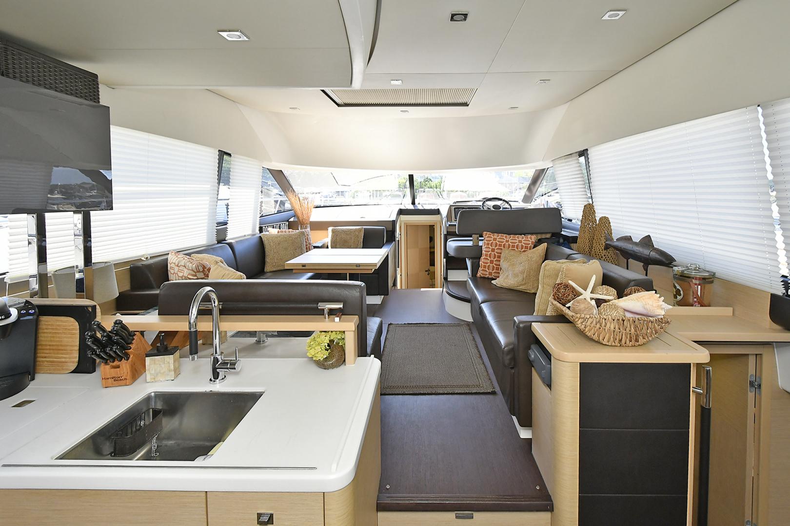 Prestige-500 Fly 2015-DIVERGENT Jupiter-Florida-United States-Salon -1476765 | Thumbnail