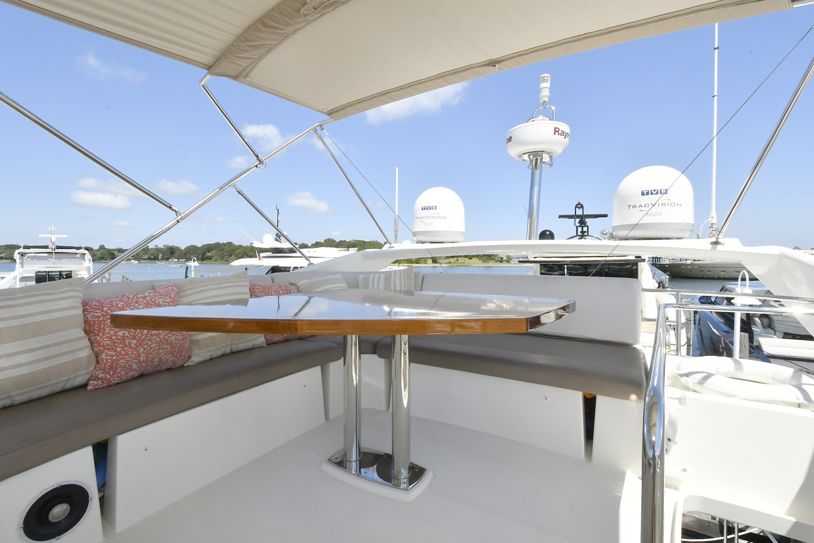 Prestige-500 Fly 2015-DIVERGENT Jupiter-Florida-United States-Flybridge -1476770 | Thumbnail