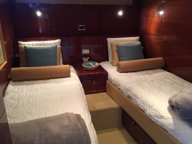 Savannah-Express Cruiser 2008-BEACON Miami-Florida-United States-1477868 | Thumbnail